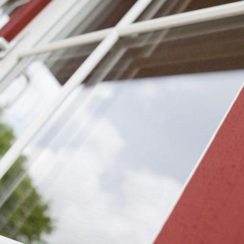 Sidohängt fönster – trä/aluminium