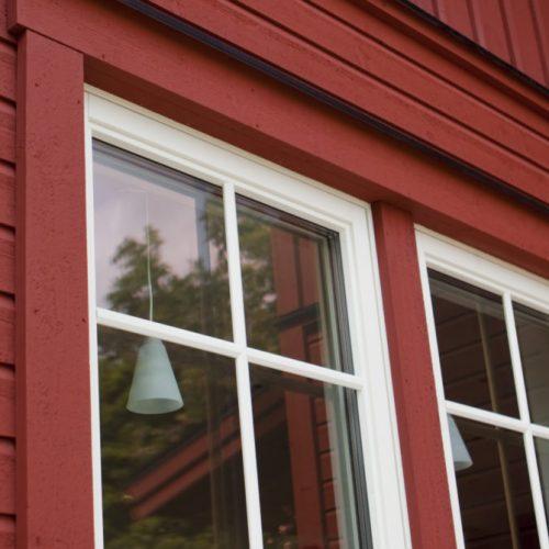 Vridfönster med utanpåliggande spröjs