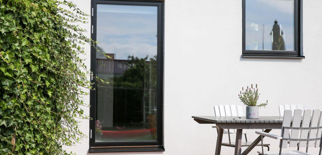 Helglasad fönsterdörr Trä/Aluminium